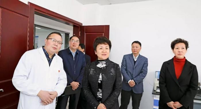 """市委书记包惠到市市场监督管理局调研""""两个中心""""建设情况"""